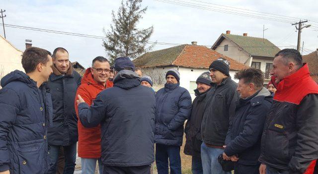 Susret ministra Nedimovića sa poljoprivrednicima u Novom Bečeju
