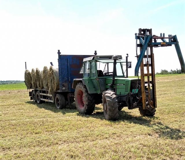 traktor sa rolo balama